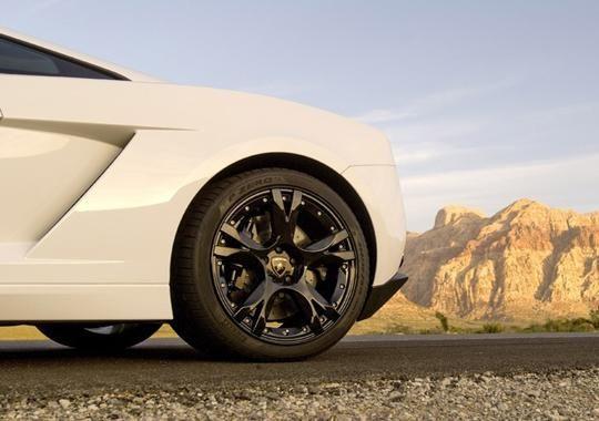 保养汽车轮胎